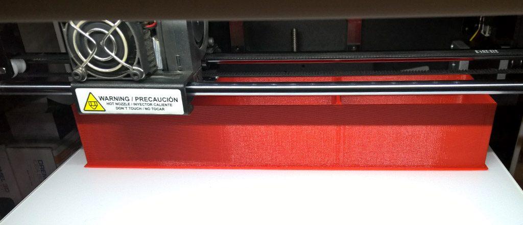 26cm breit, ungeheiztes Druckbett, hält dank 3DLac (Haarspray)