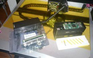 Zero 1.3 links mit Zero4U+WLAN-Stick rechts mit LAN/USB2-Hub